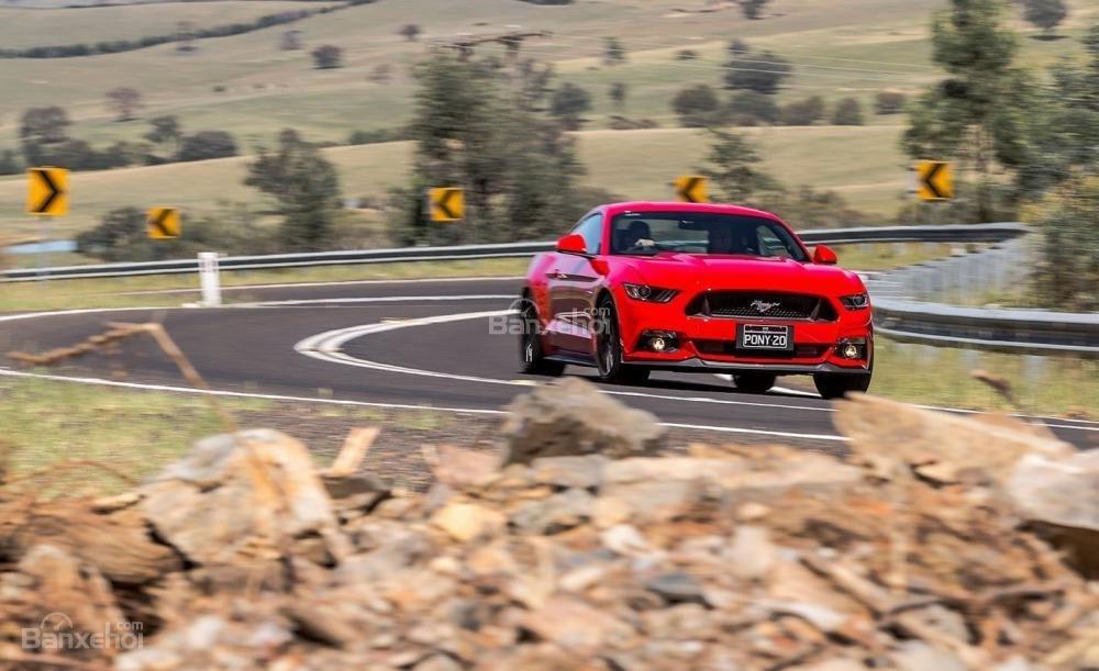 Ford Mustang - Xe thể thao bán chạy nhất thế giới năm 2016.