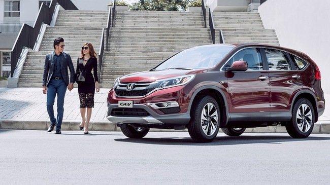 Tháng 8, Honda CR-V bất ngờ giảm giá bán đề xuất xuống dưới 900 triệu đồng tại Việt Nam.