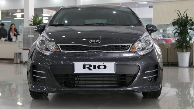 Đánh giá xe Kia Rio 2017: Đầu xe nhẹ nhàng a3
