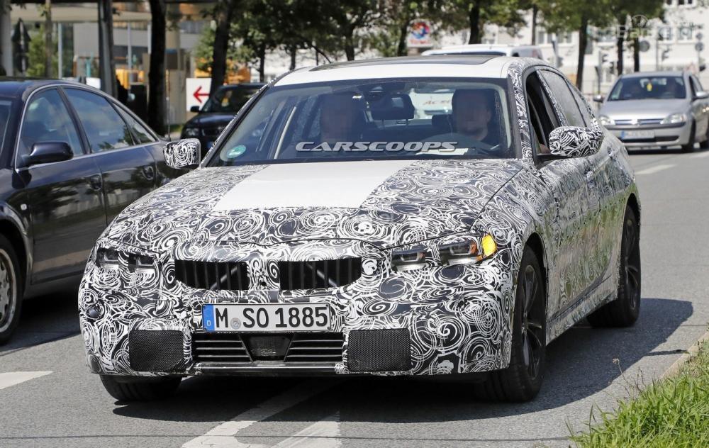 BMW 3-Series 2019 lộ diện với đèn pha phiên bản sản xuất.