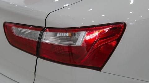 Đánh giá xe Kia Rio 2017: Bản số tự động được đầu tư hơn ở đuôi xe a19