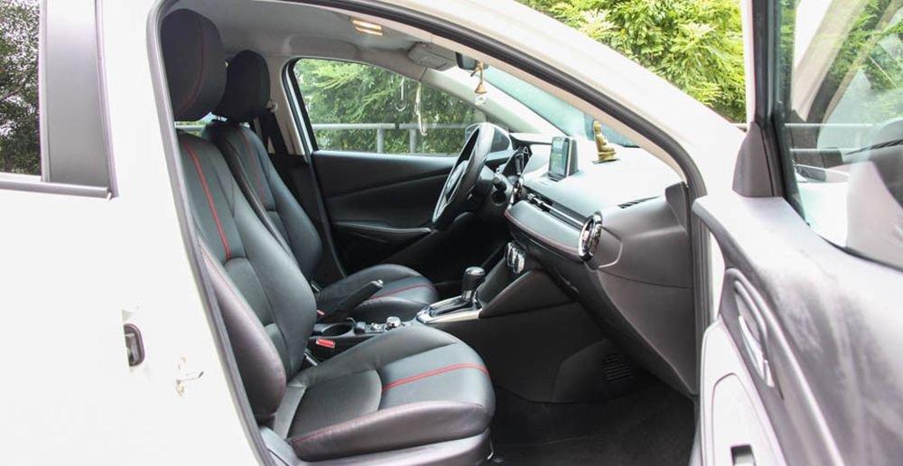 So sánh xe Honda City và Mazda 2 Sedan về ghế xe 3