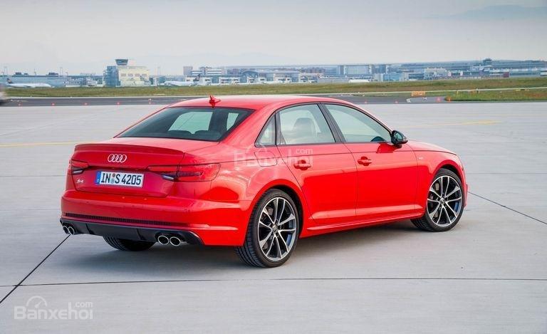 Đánh giá xe Audi S4 2018: Đuôi xe có thiết kế khá đẹp.