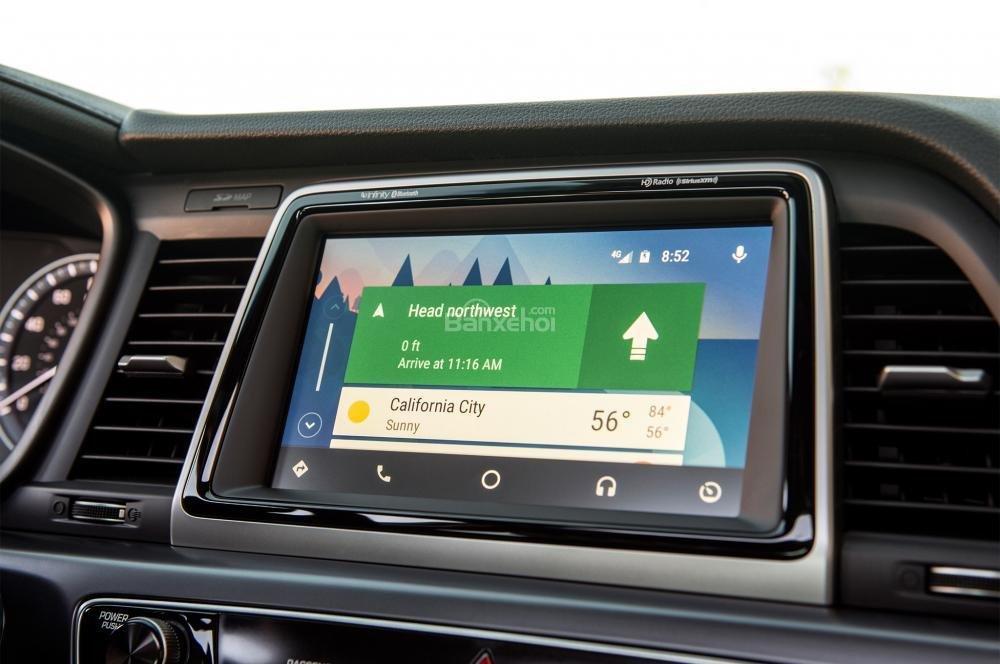 Đánh giá xe Hyundai Sonata 2018: Xe sở hữu nhiều ứng dụng hiện đại.