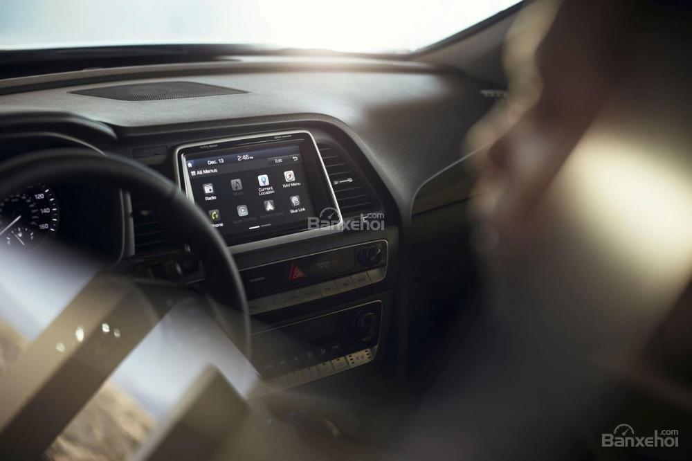 Đánh giá xe Hyundai Sonata 2018: Màn hình cảm ứng.