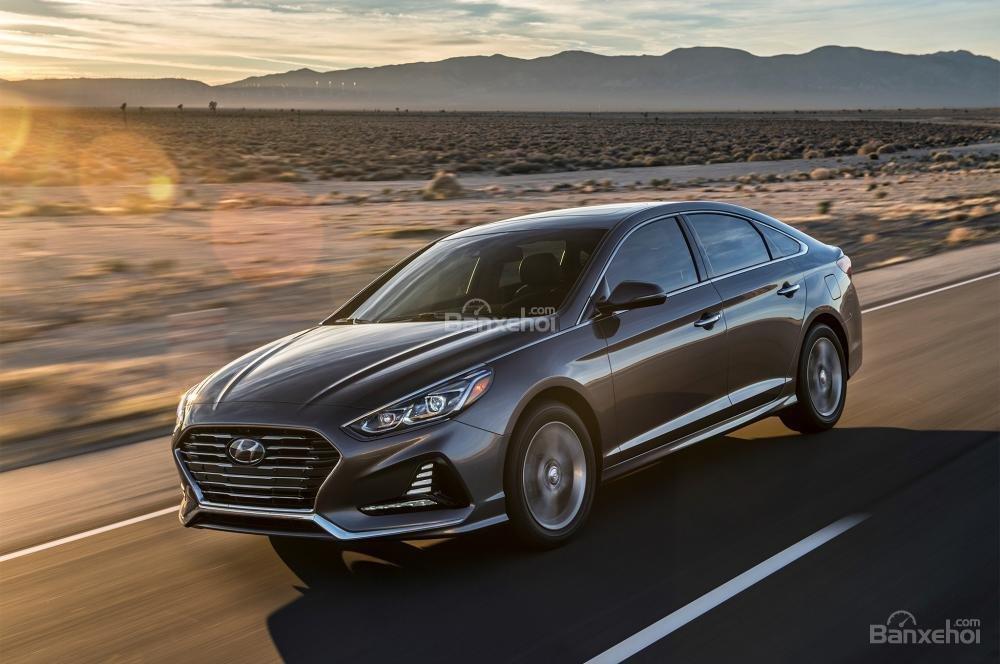 Đánh giá xe Hyundai Sonata 2018: Xe vận hành trơn tru.