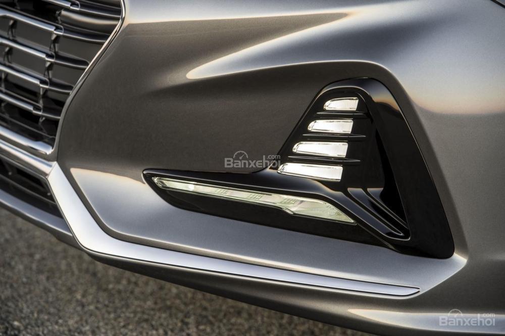 Đánh giá xe Hyundai Sonata 2018: Đèn sương mù phía dưới.