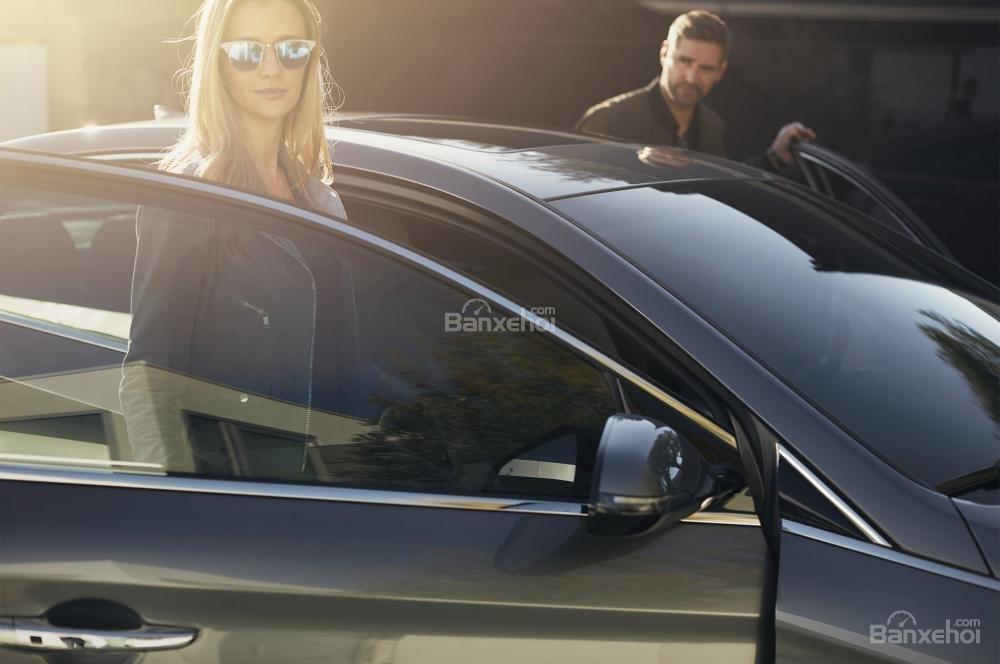 Đánh giá xe Hyundai Sonata 2018: Gương chiếu hậu tích hợp đèn báo rẽ.