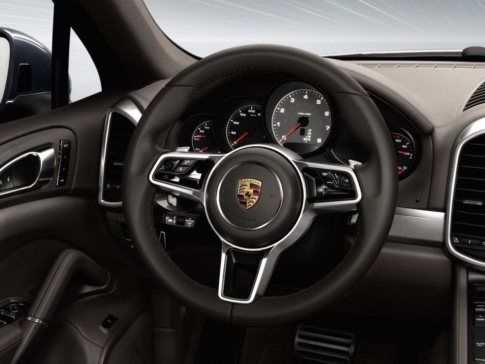 Đánh giá xe Porsche Cayenne 2017: Vô-lăng 3 chấu tích hợp nhiều tính năng a16