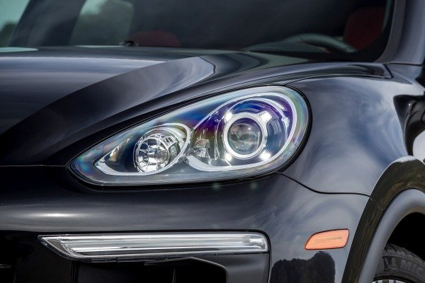 Đánh giá xe Porsche Cayenne 2017: Đèn pha chính Bi-Xenon 3a