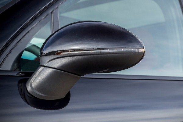 Đánh giá xe Porsche Cayenne 2017: Gương chiếu hậu tích hợp đèn xi-nha a7