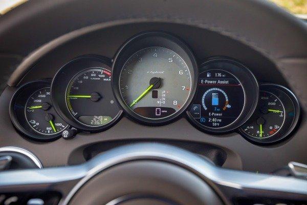 Đánh giá xe Porsche Cayenne 2017: Cụm 5 đồng hồ hiển thị thông số sắc nét a17