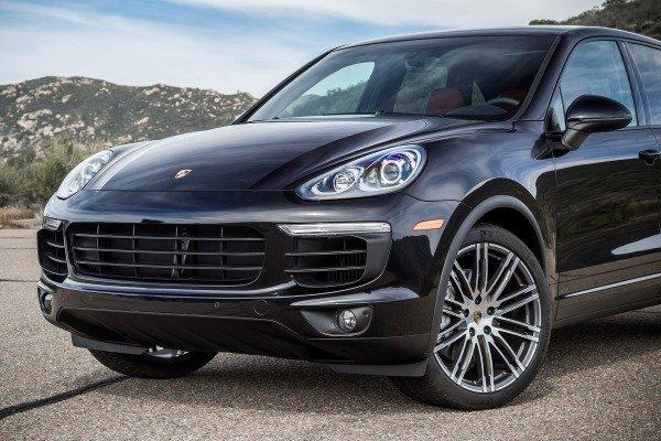 Đánh giá xe Porsche Cayenne 2017: Lưới tản nhiệt thiết kế mới a4