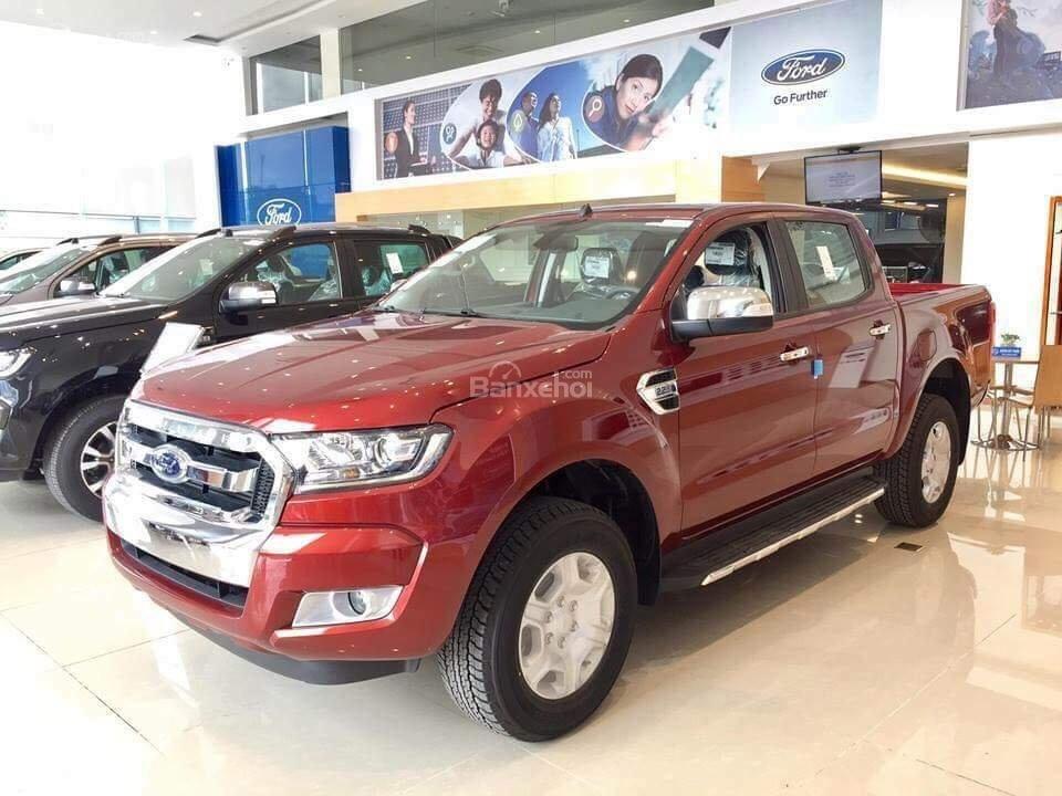 Ford Cao Bằng - Đại lý 2s bán xe Ford Ranger 2 cầu số sàn, trả góp thủ tục nhanh gọn tại Cao Bằng (1)