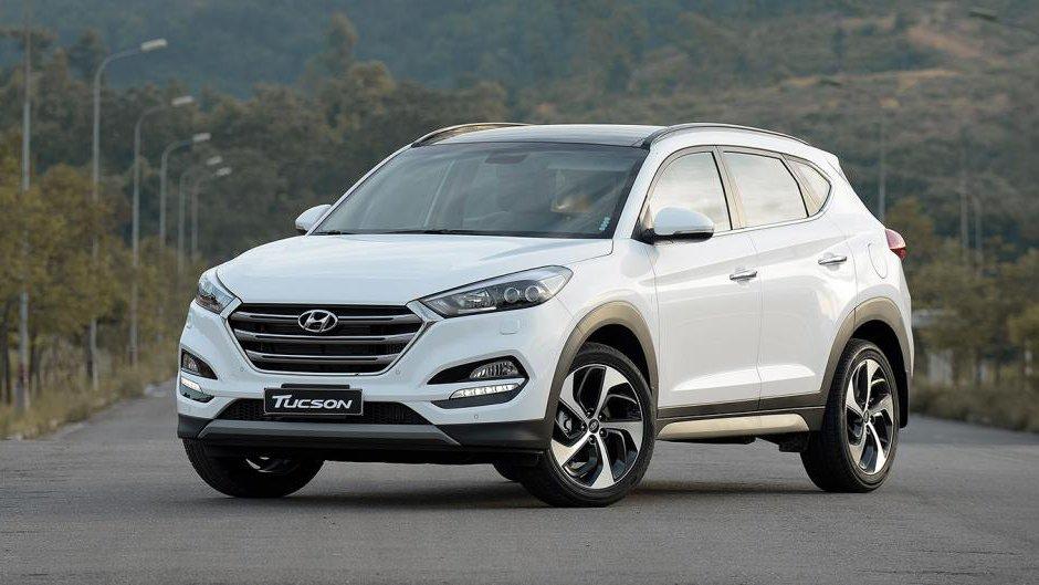 So sánh xe Hyundai Tucson CKD 2017 và Mazda CX-5 2016 về ngoại thất: Cải tiến kém mới mẻ.