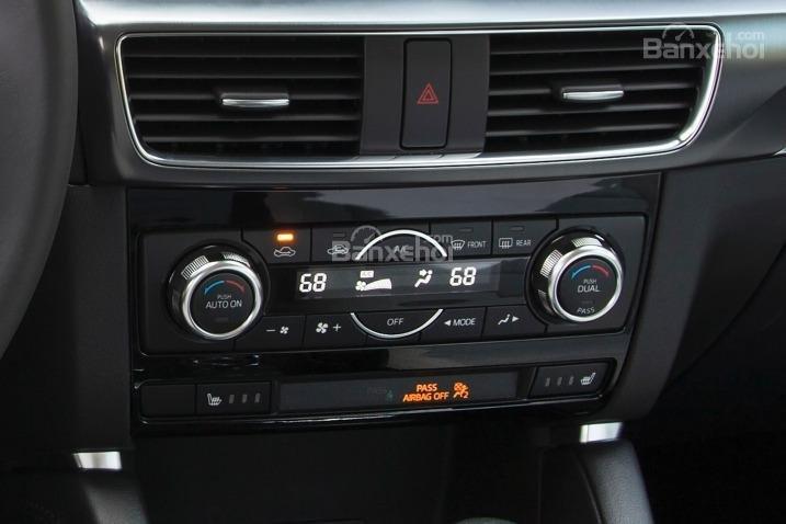 So sánh xe Hyundai Tucson CKD 2017 và Mazda CX-5 2016 về trang bị giải trí.