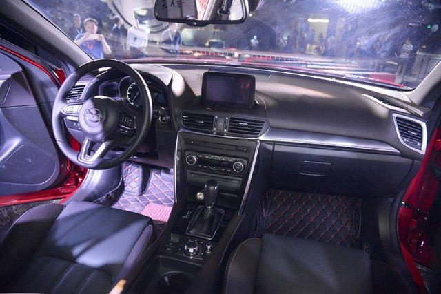 Mazda CX-4 nội thất