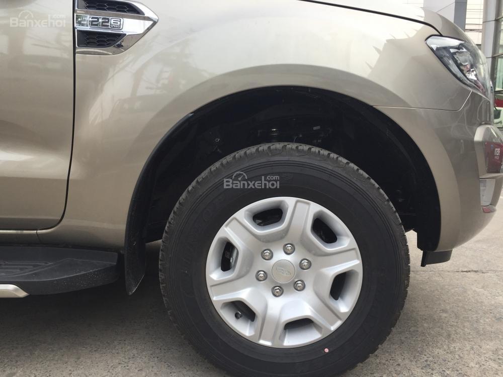 Ford Hà Nam bán xe Ford Ranger XLT 2 cầu số sàn, trả góp nhanh gọn, LH 0902212698 (3)