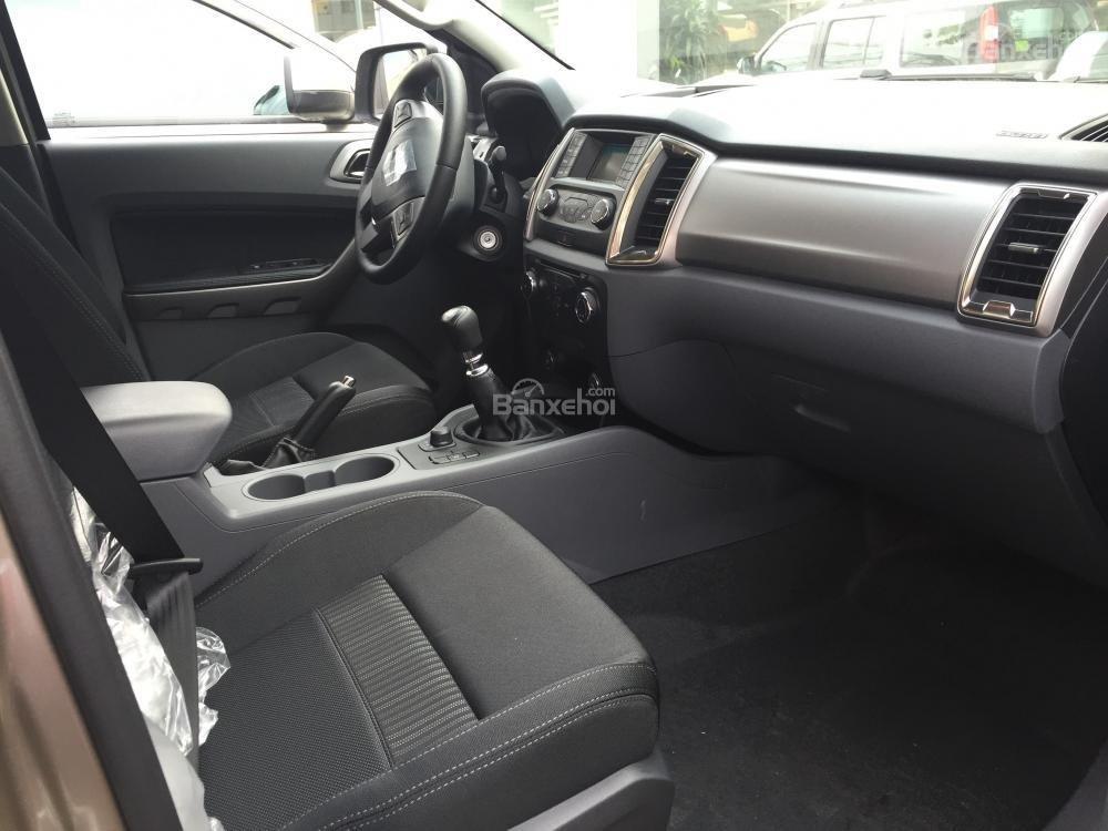 Ford Hà Nam bán xe Ford Ranger XLT 2 cầu số sàn, trả góp nhanh gọn, LH 0902212698 (7)