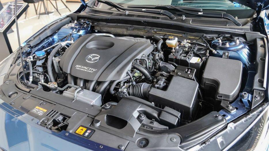 Mazda 3 2017 sử dụng động cơ 2.0L Skyactiv DOHC, 4 xi-lanh, 16 van thẳng hàng.