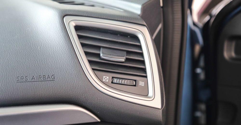 Mazda 3 2017 chỉ có hốc gió điều hòa cho ghế trước.