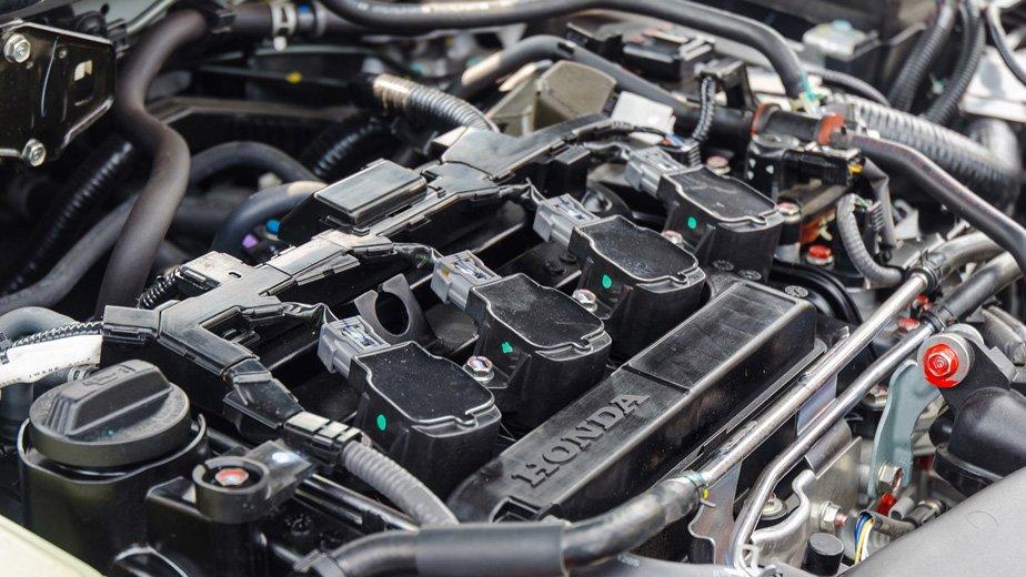 Honda Civic 2017 sử dụng động cơ 1.5L VTEC TURBO DOHC, 4 xi-lanh thẳng hàng.