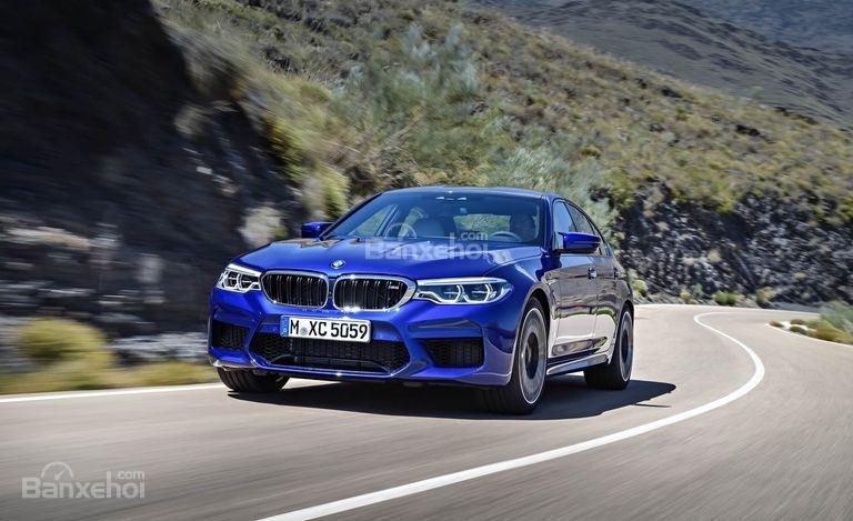 Đánh giá xe BMW M5 2018: Thiết kế thể thao, mạnh mẽ,