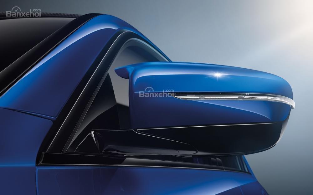 Đánh giá xe BMW M5 2018: Gương chiếu hậu tích hợp xi nhan.