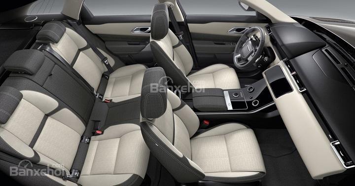 Đánh giá xe Range Rover Velar 2017: Hàng ghế sau rộng rãi, thoải mái