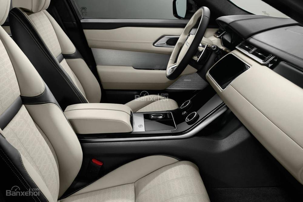 Đánh giá xe Range Rover Velar 2017: Ghế lái chỉnh điện 20 hướng