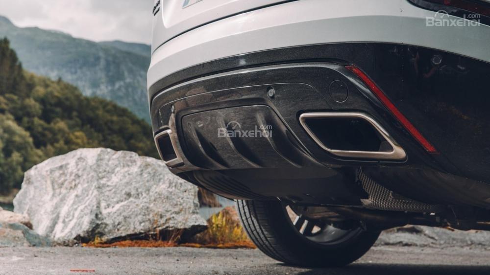 Đánh giá Range Rover Velar 2017: Ống xả được thiết kế rất thể thao