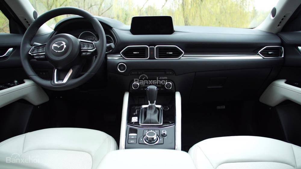 Khoang nội thất Mazda CX-5 2017