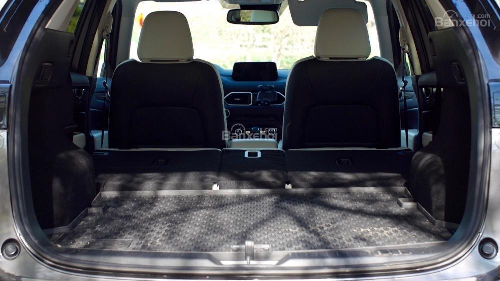 Dung tích khoang hành lý của Mazda CX-5 2017 đạt 1688 lít khi gập hàng ghế sau/