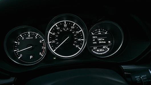 Đồng hồ lái trên Mazda CX-5 2017