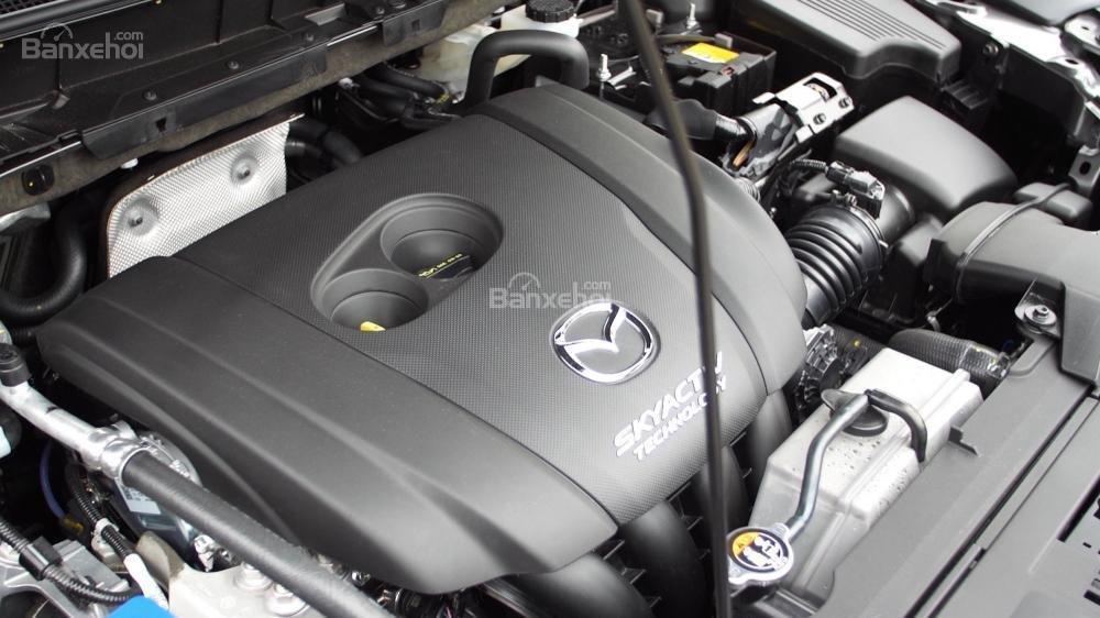 Mazda CX-5 Grand Touring 2017 trang bị động cơ I4 2.5L, công suất 187 mã lực.