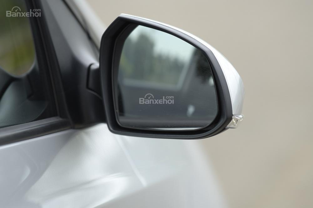 Ảnh chụp mâm xe Hyundai Grand i10 màu bạc a6