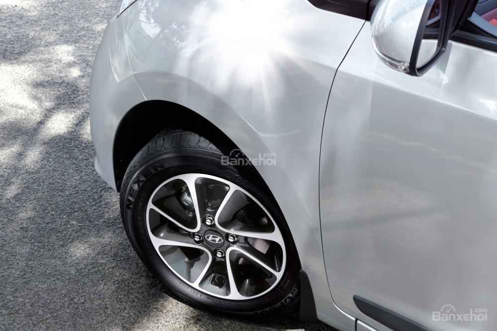 Hình ảnh gương chiếu hậu Hyundai Grand i10
