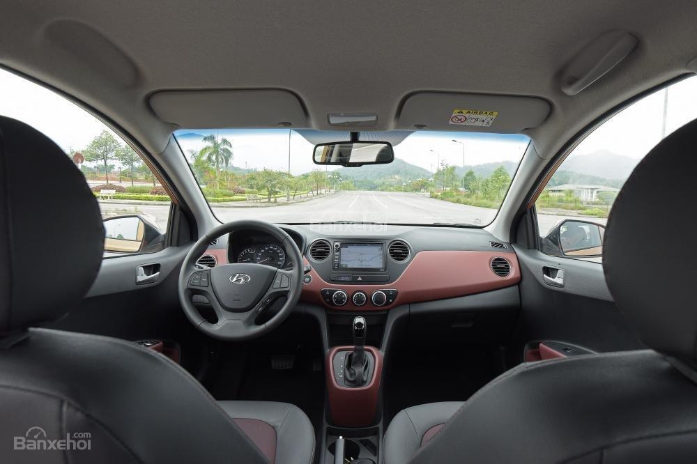 Ảnh chụp nội thất bên trong của Hyundai Grand i10 2017