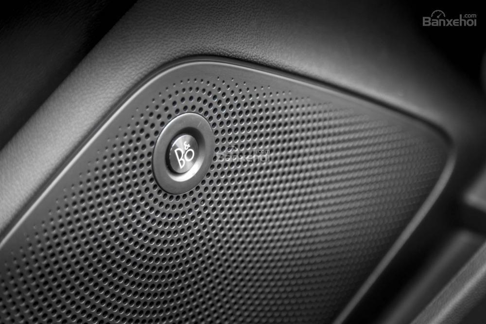 Đánh giá xe Ford Fiesta 2018: Hệ thống âm thanh Bang & Olufsen B&O a1