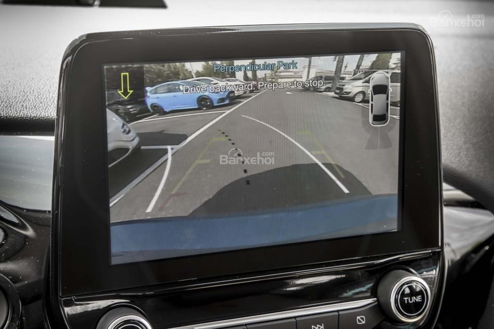 Ford Fiesta 2018 thế hệ mới sở hữu nhiều công nghệ an toàn hiện đại.