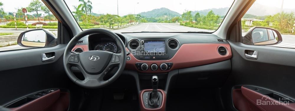 Ảnh chụp bảng táp-lô của Hyundai Grand i10 a42