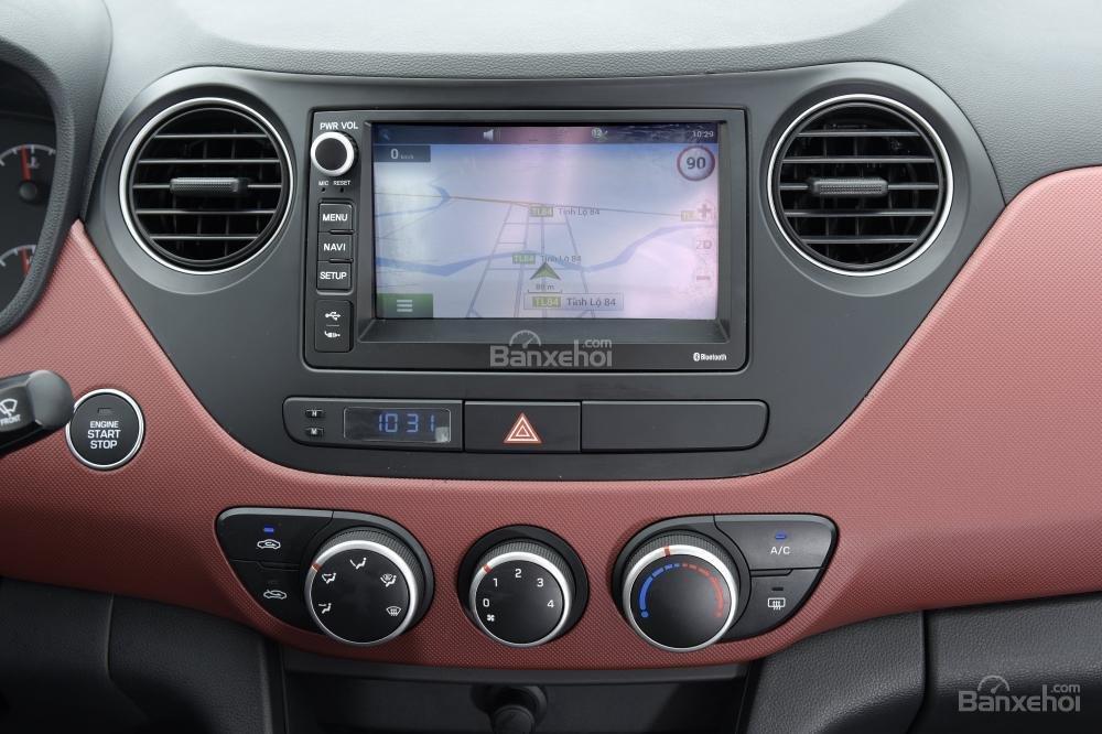 Ảnh chụp màn hình cảm ứng của Hyundai Grand i10 a65