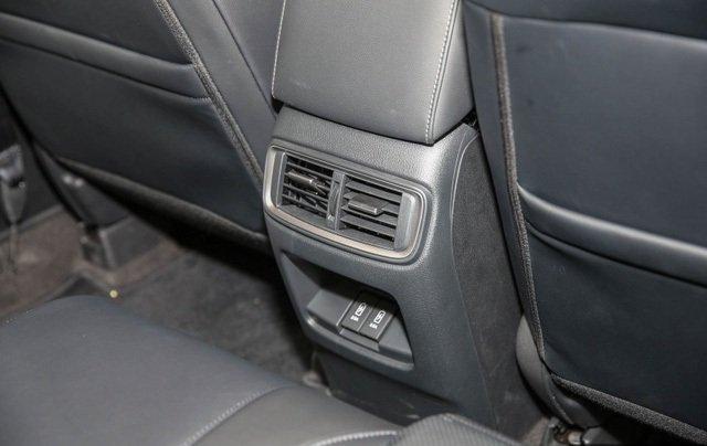 Đánh giá xe Honda CR-V 2018 bản 7 chỗ: Điều hòa ở hàng ghế thứ 2.