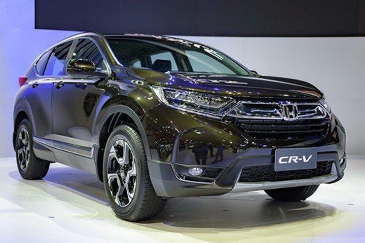 """Đánh giá xe Honda CR-V 2018 bản 7 chỗ: """"Cơn lốc"""" sắp đổ bộ thị trường Việt 1"""