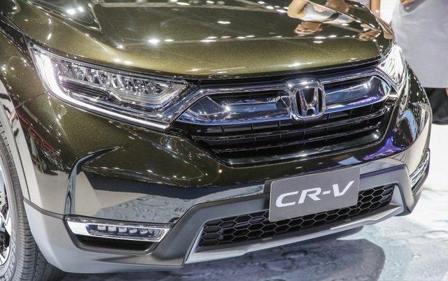 Đánh giá xe Honda CR-V 2018 bản 7 chỗ: Đèn sương mù phía dưới.