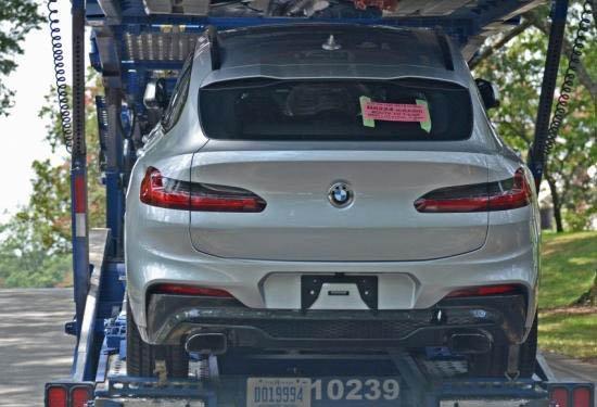 Đuôi xe BMW X4 2018 màu bạc