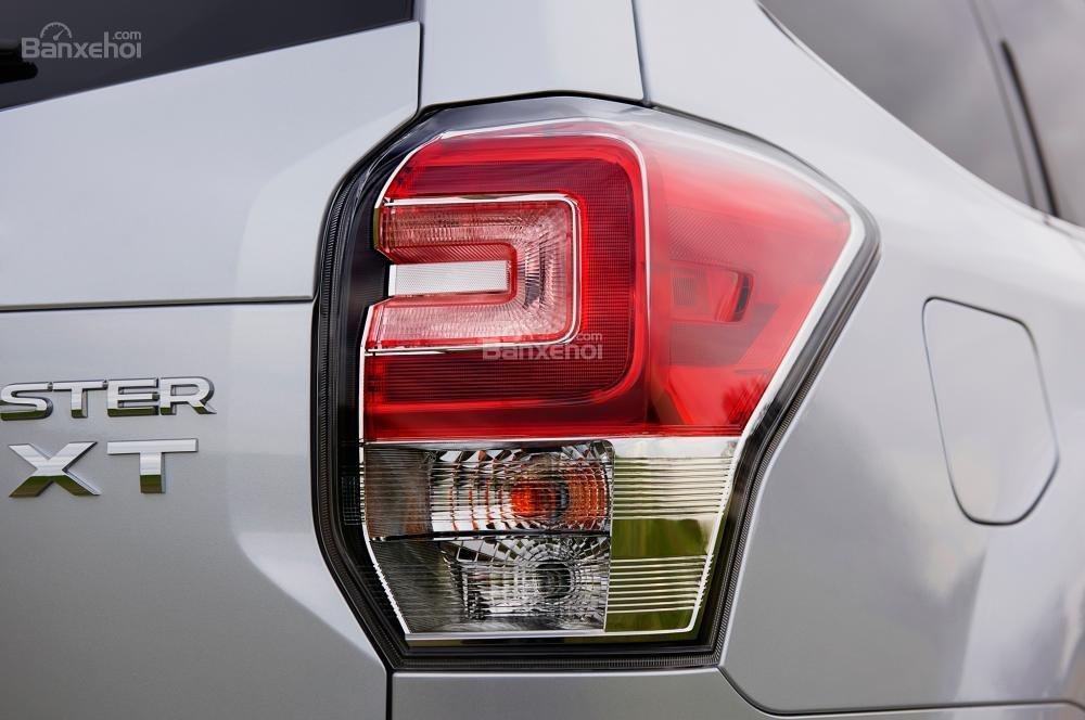 Đánh giá Subaru Forester 2017: Bộ 2 đèn báo được thiết kế hình chữ U lạ mắt