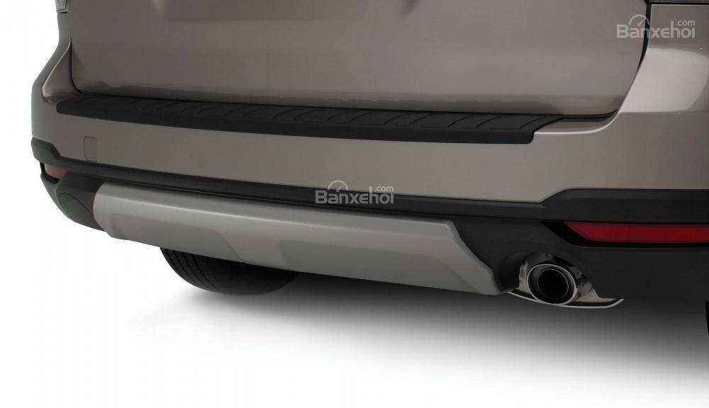 Đánh giá Subaru Forester 2017: Ống xả có hình tròn truyền thống