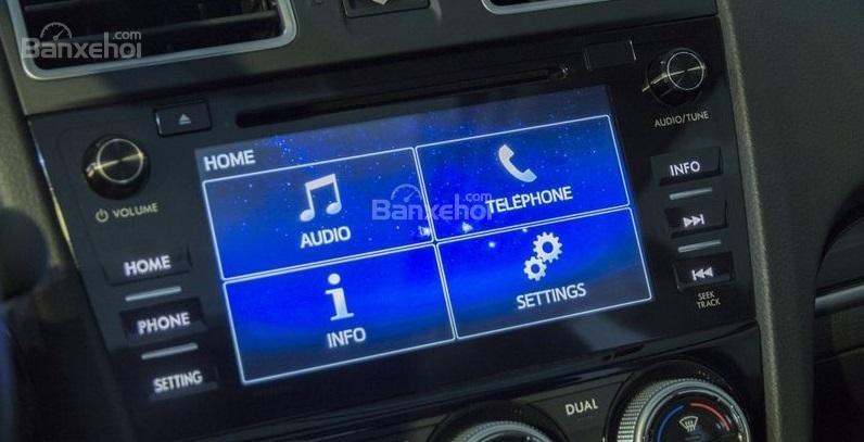 Đánh giá xe Subaru Forester 2017: Màn hình cảm ứng 7 inch
