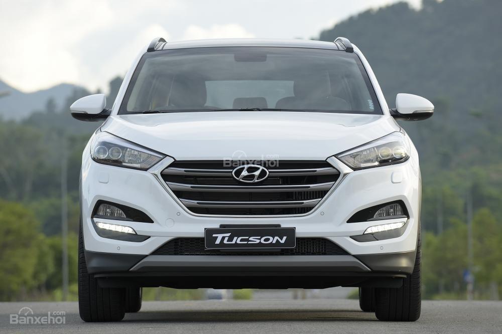 Hyundai Tucson 2017-2018 chụp từ phía trước